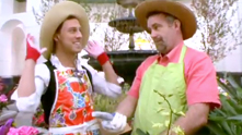 G&F proves that gardening is not just for ladies when the master of Macy's Flower Show, Todd Pope, shows us around the more than 15,000 flowers he planted in the department store. Plus, we grow up with a vertical garden wall. Watch the exclusive G&F interview.