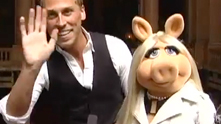 We ham it up with the town's biggest—er, most glamorous—celebrity. While in town for Macy's Glamorama, Miss Piggy talks to G&F about her favorite designers (Marc Jacobs), her new book (The Diva Code) and of course, her beloved Kermie. Watch the exclusive G&F interview.