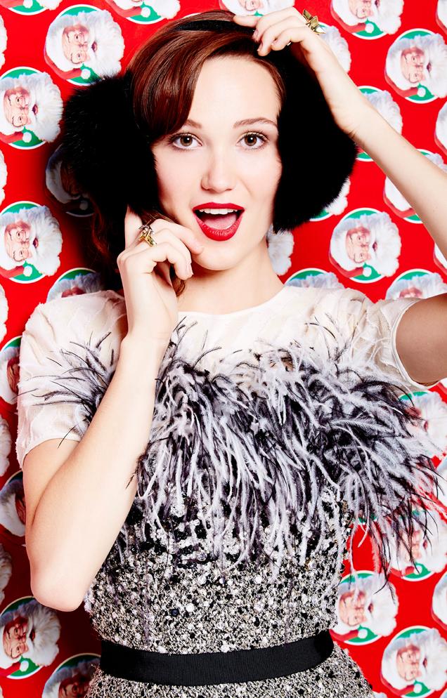 Glossed & Found_Holiday Fashion_santa wrapping